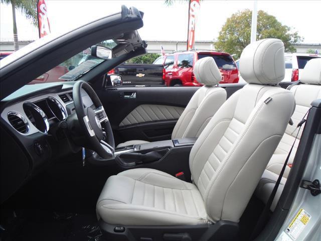 ford mustang v6 cabriolet offizieller us direktimport h ndler. Black Bedroom Furniture Sets. Home Design Ideas