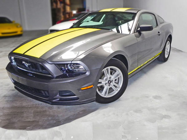 2013 Ford Mustang V6 Premium Coupé